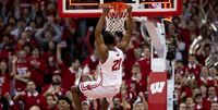 Wisconsin Badgers Player Dunk