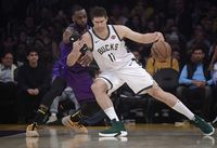 Milwaukee Bucks vs LA Lakers